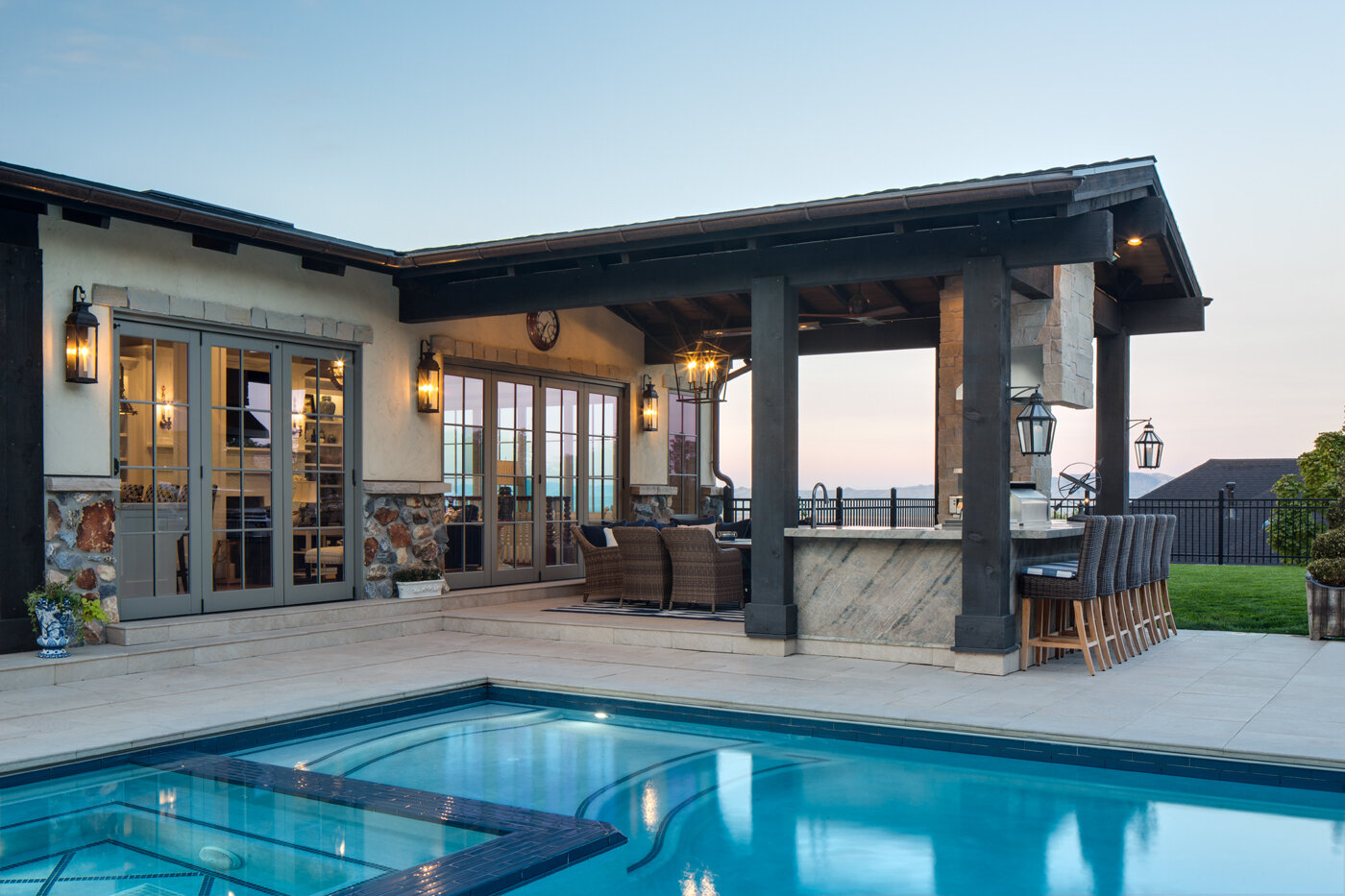 Pool and Poolhouse 2